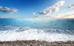 Море и галька